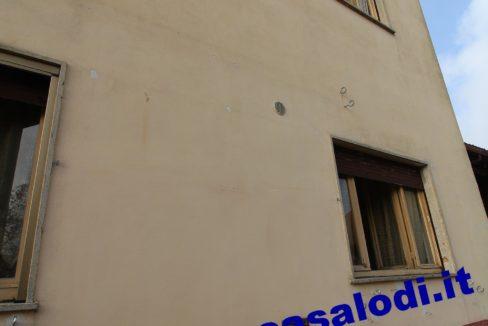 1 ROSSI 546 (4)